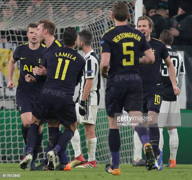 Christian Eriksen of Tottenham Hotspur celebrates his goal with his teammates during the UEFA Champions League Round of 16 First Leg match between...