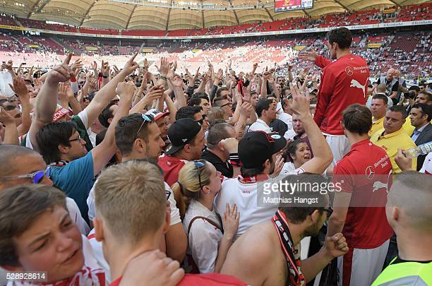 Christian Gentner of Stuttgart speaks to the fans after the Bundesliga match between VfB Stuttgart and 1 FSV Mainz 05 at MercedesBenz Arena on May 7...