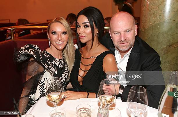 Christian Gries CEO Depot and his wife Sandra Gries and Verona Pooth during the Ein Herz Fuer Kinder after show party at Borchardt Restaurant on...