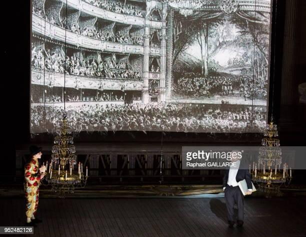 Christian Hecq et Julien Lubek sur scène lors d'un gala à l'Opéra Comique pour célébrer son 300e anniversaire le 12 Novembre 2014 à Paris France