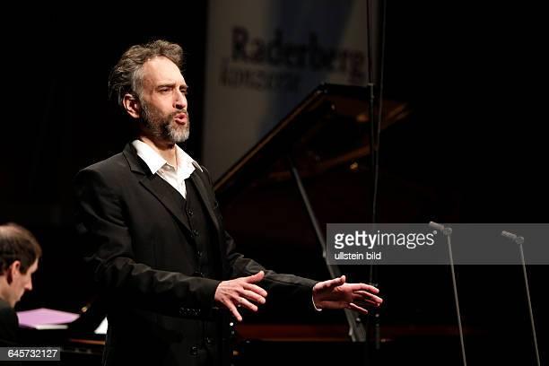 """Christian Immler gastiert in Begleitung des britischen Pianisten Danny Driver auf seiner """"From the New World""""-Tour mit Liedern von von Samuel Barber,..."""