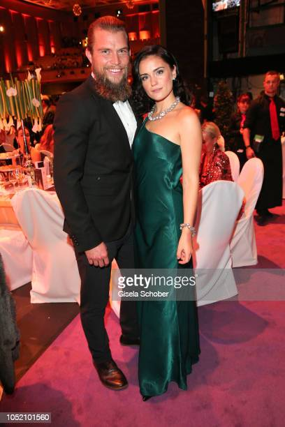 Christian Jonsson and his girlfriend Alicia Agneson kissing during the Leipzig Opera Ball Ahoj Cesko on October 13 2018 in Leipzig Germany