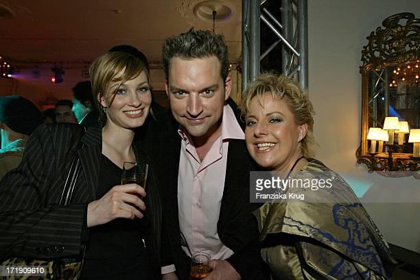 Christian Kahrmann Mit Ehefrau Und Tanja Schumann Bei Der 10 Jahre Peta Deutschland Gala Im Hotel Vier Jahreszeiten In Hamburg Am 140204