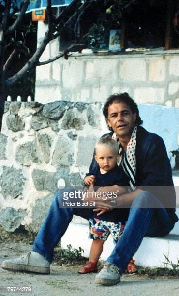 Christian Kohlund mit Sohn Luca MariaGriechenland Urlaub Familie