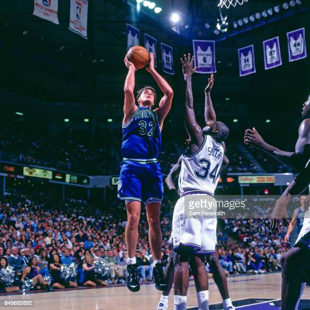 Christian Laettner of the Minnesota Timberwolves shoots circa 1996 at Arco Arena in Sacramento California NOTE TO USER User expressly acknowledges...