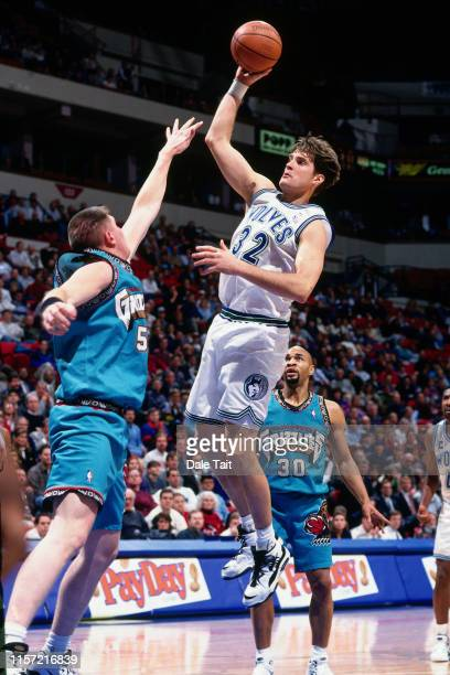 Christian Laettner of the Minnesota Timberwolves shoots the ball against the Vancouver Grizzlies on March 17 1996 at the Target Center in Minneapolis...