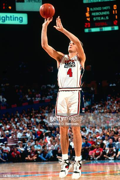 Christian Laettner of the United States shoots the ball against Cuba during the Basketball Tournament of Americas on June 28 1992 at the Veterans...