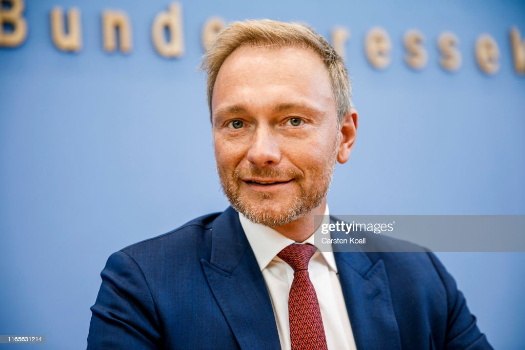 Political Parties React To Brandenburg And Saxony State Elections Results : News Photo