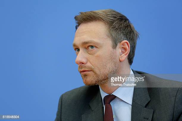 Christian Lindner head of the German Free Democratic Party speaks to the media on March 14 2016 in Berlin Germany Voters went to the polls yesterday...