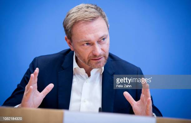 Christian Lindner leader of Germany's free democratic FDP party gives a statement on the aftermath of the Bavarian state elections on October 15 2018...