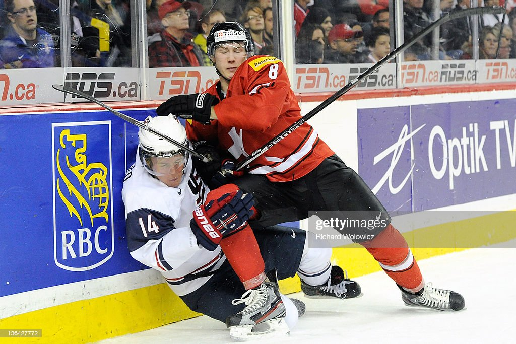 2012 World Junior Hockey Championships - Relegation - Switzerland v United States : News Photo