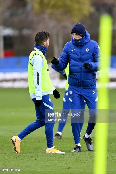 Christian Pulisic and Manager Thomas Tuchel of Chelsea during a training session at Chelsea Training Ground on February 10, 2021 in Cobham, England.