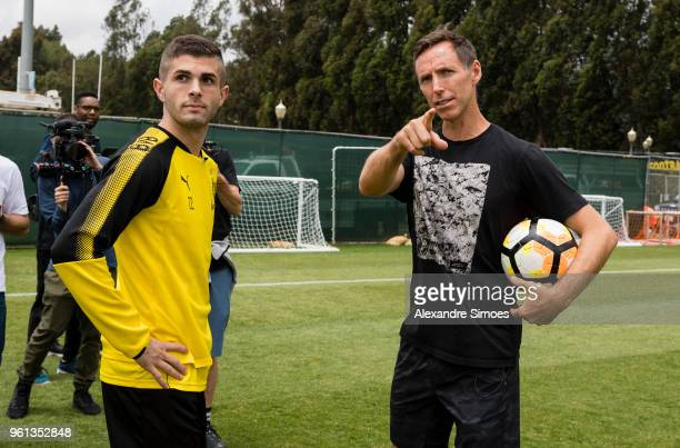 Christian Pulisic of Borussia Dortmund together with basketball player Stephen John ãSteveÒ Nash during a training session at the UCLA training...