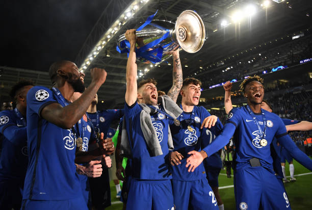 Christian Pulisic of Chelsea celebrates with the Champions League Trophy alongside teammates Antonio Ruediger, Kai Havertz and Tammy Abraham...