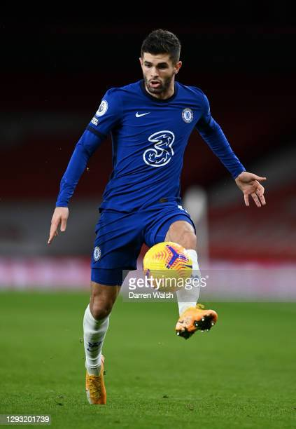 Christian Pulisic of Chelsea controls the ball during the Premier League match between Arsenal and Chelsea at Emirates Stadium on December 26, 2020...
