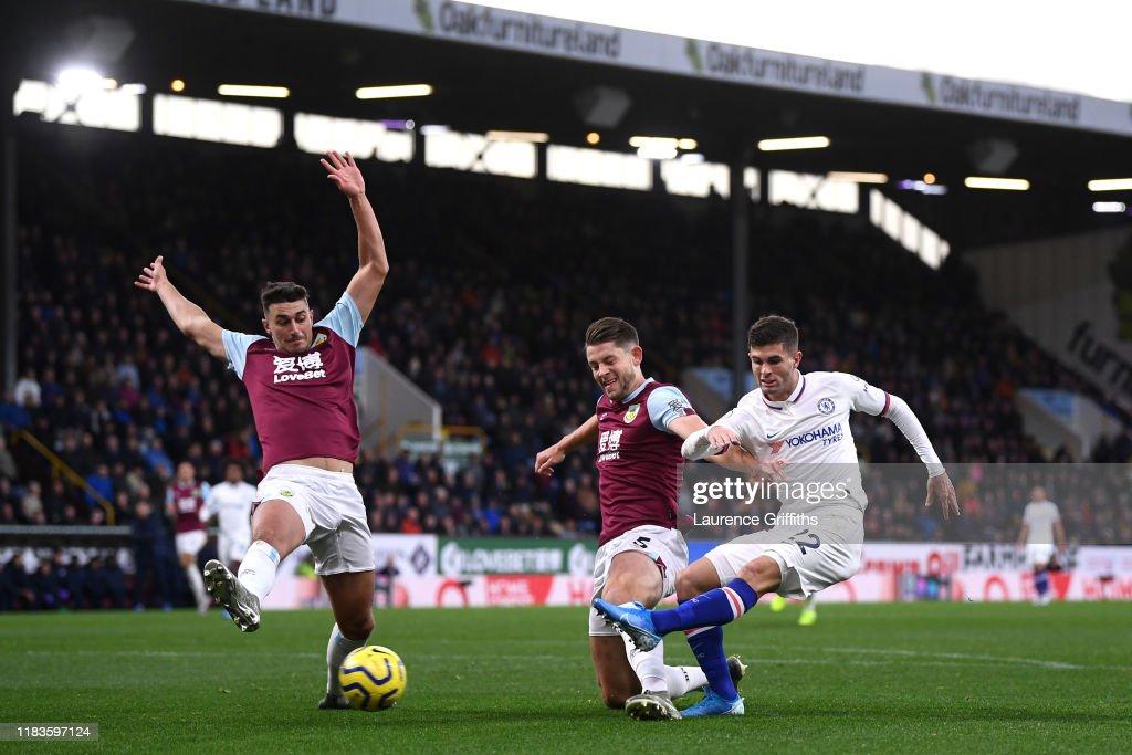 Burnley FC v Chelsea FC - Premier League : ニュース写真