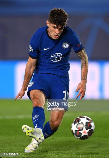 Christian Pulisic of Chelsea scores their side's first goal during the UEFA Champions League Semi Final First Leg match between Real Madrid and...