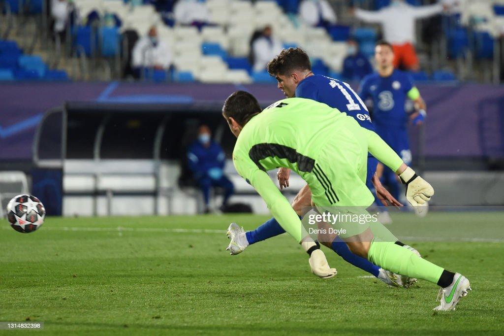 Real Madrid v Chelsea - UEFA Champions League Semi Final: Leg One : ニュース写真