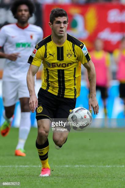 Christian Pulisic of Dortmund controls the ball during the Bundesliga match between FC Augsburg and Borussia Dortmund at the WWKArena on May 13 2017...