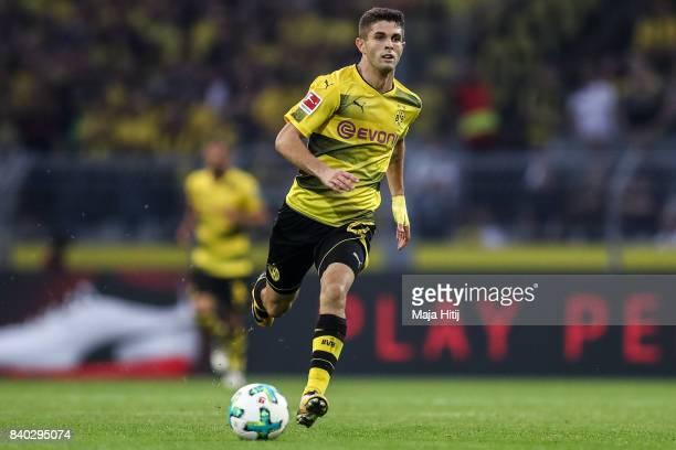 Christian Pulisic of Dortmund controls the ball during the Bundesliga match between Borussia Dortmund and Hertha BSC at Signal Iduna Park on August...