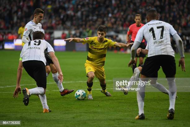 Christian Pulisic of Dortmund controls the ball during the Bundesliga match between Eintracht Frankfurt and Borussia Dortmund at CommerzbankArena on...