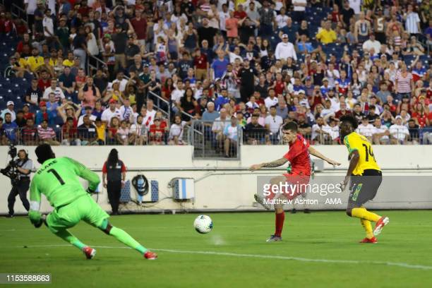 Christian Pulisic of USA scores a goal to make it 03 during the 2019 CONCACAF Gold Cup Semi Final between Jamaica and United States of America at...