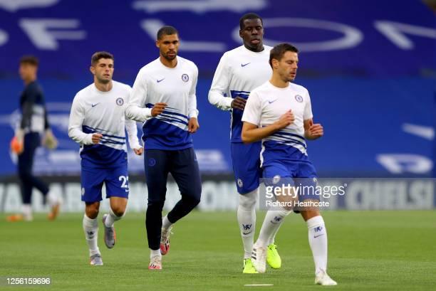 Christian Pulisic Ruben LoftusCheek Kurt Zouma and Cesar Azpilicueta of Chelsea warm up prior to the Premier League match between Chelsea FC and...