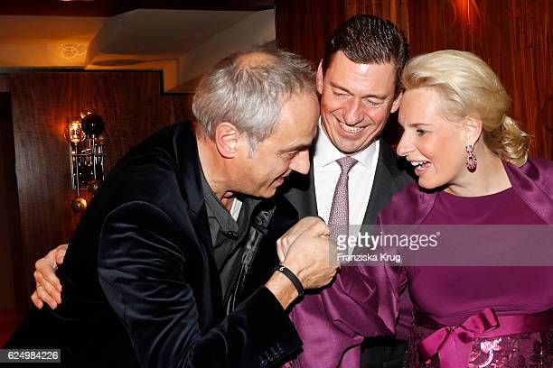 Christian Rach Ingo C Peters General Manager Fairmont Hotel Vier Jahreszeiten Hamburg Vice President Fairmont Europe and his wife Christiane Peters...