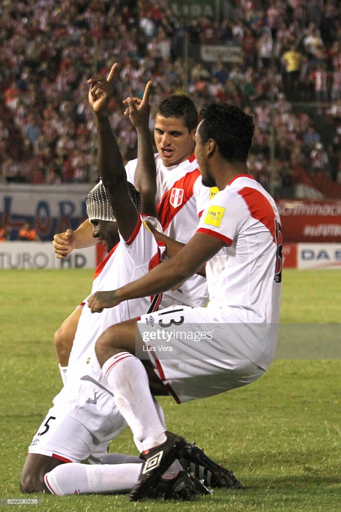 Paraguay v Peru - FIFA 2018 World Cup Qualifiers