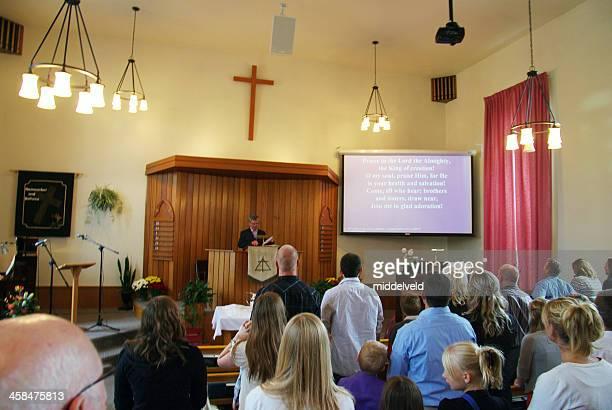 igreja cristã reformada serviço de domingo - congregação - fotografias e filmes do acervo