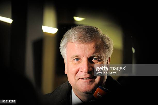 Christian Social Union chairman Horst Seehofer gives a press statement after leaving the coalitions talks to form the next federal government in...