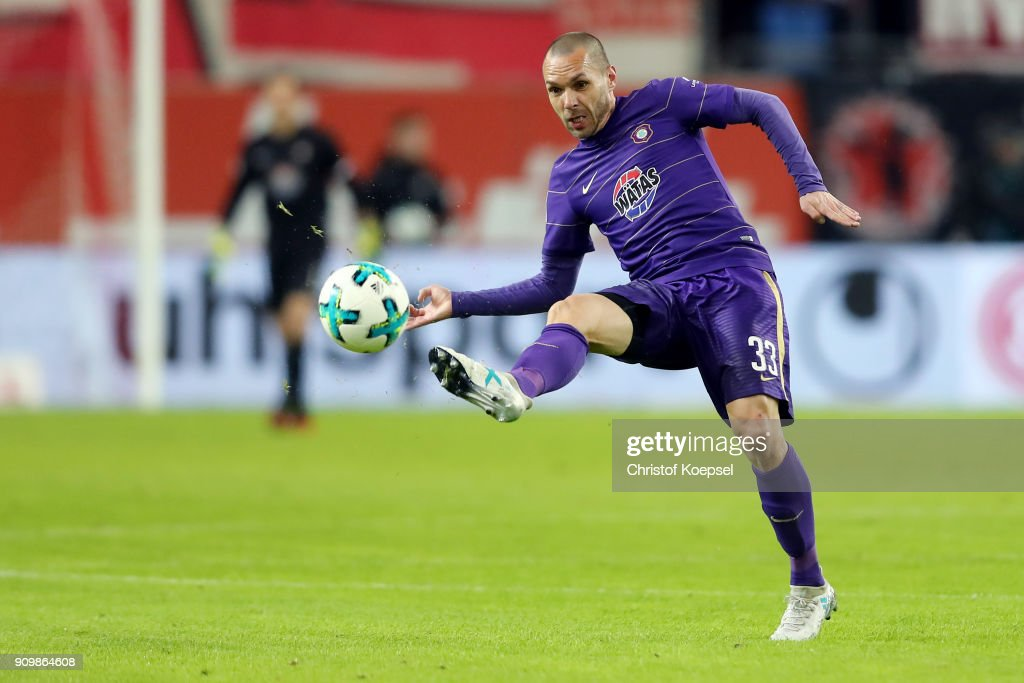 Christian Tiffert of Erzgebirge Aue runs with the ball during the Second Bundesliga match between Fortuna Duesseldorf and FC Erzgebirge Aue at Esprit-Arena on January 24, 2018 in Duesseldorf, Germany. The match between Duesseldorf and Aue ended 2-1.