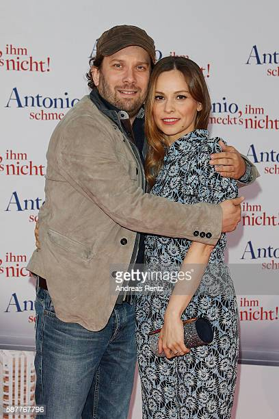 Christian Ulmen and Mina Tander attend the premiere of the film 'Antonio ihm schmeckt's nicht' on August 9 2016 in Duesseldorf Germany