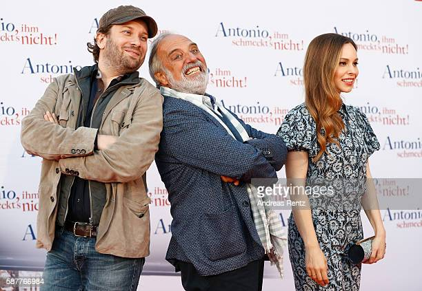 Christian Ulmen Mina Tander and Alessandro Bressanello attend the premiere of the film 'Antonio ihm schmeckt's nicht' on August 9 2016 in Duesseldorf...