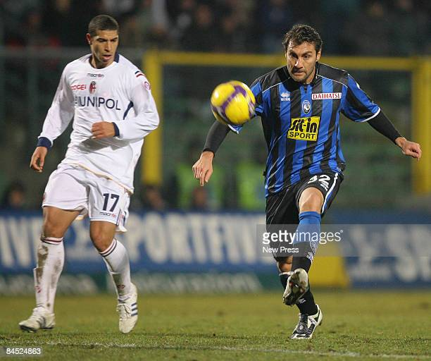 Christian Vieri of Atalanta and Diego Rodriguez of Bologna during the Serie A match between Atalanta and Bologna at the Stadio Ateleti Azzurri d...