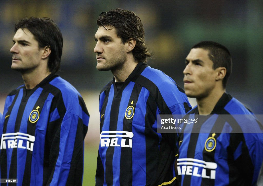Christian Vieri of Inter Milan lines up alongside team-mate Ivan Cordoba : News Photo