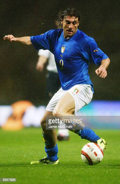 Christian Vieri of Italy runs with the ball during the International Friendly match between Portugal and Italy held on March 31 2004 at the Estadio...