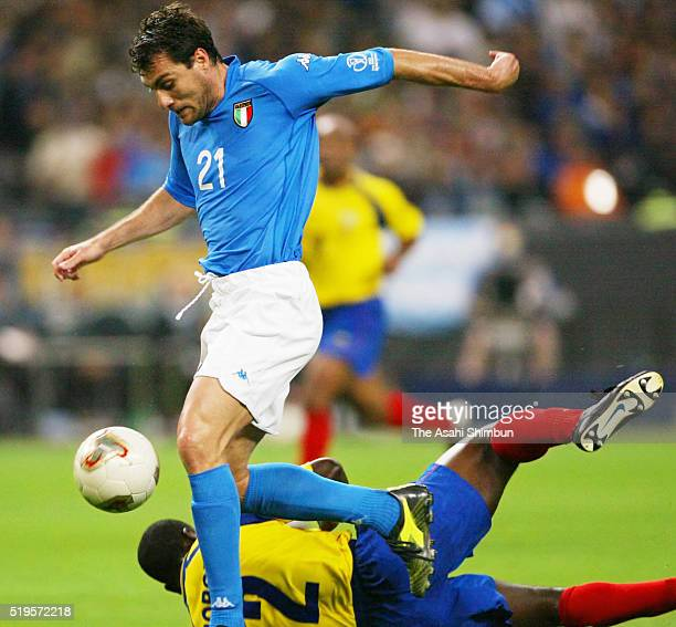 Christian Vieri of Italy scores his team's second goal during the FIFA World Cup Korea/Japan Group G match between Italy and Ecuador at the Sapporo...