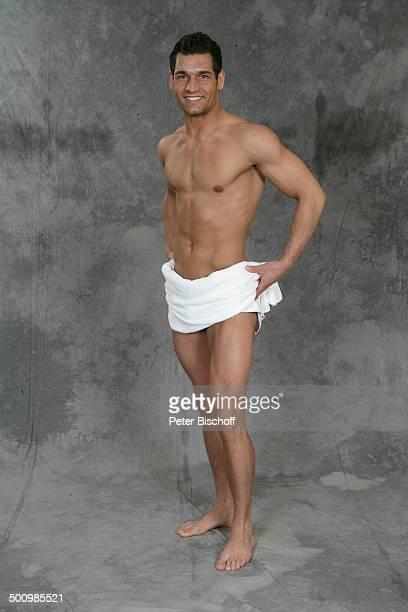 Christian Vogler Wahl zum Mister Germany 2005/06 Linstow Deutschland PNr 1649/2005 Van der Valk Resort Sieger nackter Oberkörper Handtuch Muskeln...