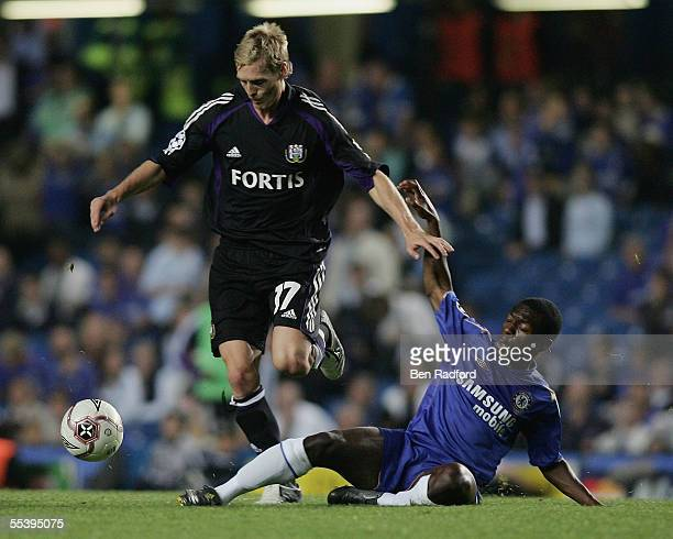 Christian Wilhelmsson of Anderlecht holds off Shaun WrightPhillips of Chelsea during the UEFA Champions League match between Chelsea and RSC...
