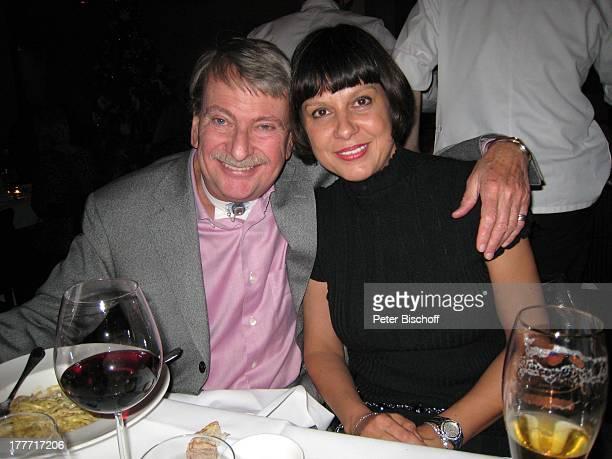 Christian Wölffer Ehefrau Sabine Geburtstagsfeier zum 104 Geburtstag von J o h a n n e s H e e s t e r s nach Premiere von DuettCD Generationen...