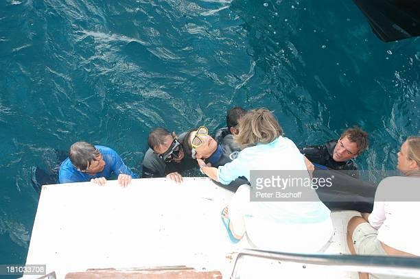 Christian Wolff Angela Roy Maria Bachmann Drehteam TauchCrew Dreharbeiten zum ZDFFilm 'Eine Mutter zum Geburtstag' Puerto Morelos/Mexico/Golf von...