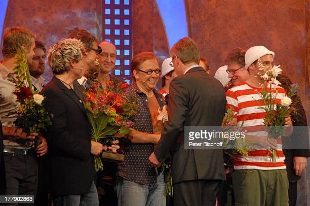 Christian Wulff , v.li.n.re., Florian Schroeder, Sascha Grammel , Christoph Sieber , Name auf wunsch, Robert Griess, Josef Hader, Starbugs, dahinter...