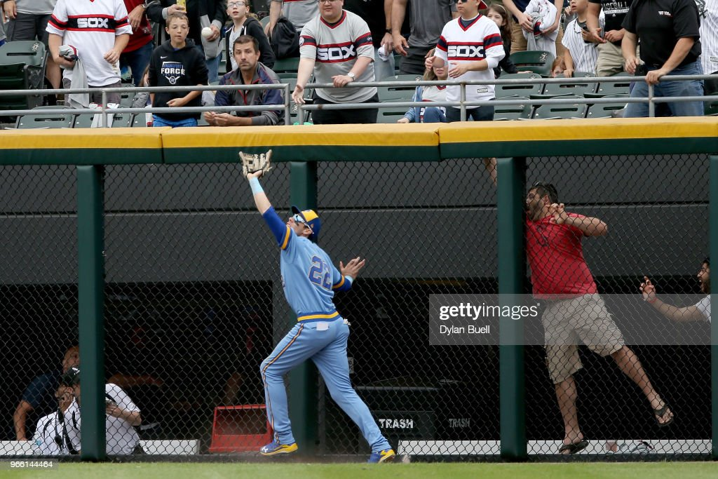 Christian Yelich #22 of the Milwaukee Brewers catches a fly ball in the fourth inning against the Chicago White Sox at Guaranteed Rate Field on June 2, 2018 in Chicago, Illinois.