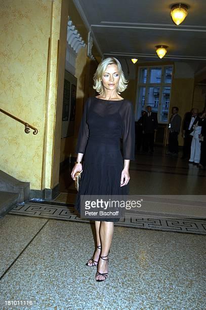 Christiane Gerboth Gala zur ARD/BRVerleihung Bayrischer Fernsehpreis Prinzregententheater München TVModeratorin Promis Prominente Kleid