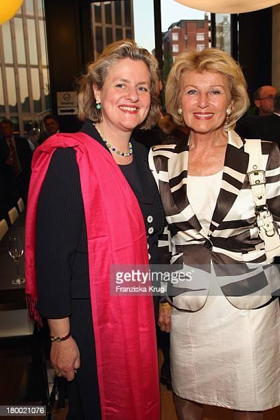 """Christiane Gräfin Von Ranzau Und Annette Gräfin Von Ranzau Bei Der """"Atp Player'S Night"""" Im Copper House In Hamburg Am 140508 ."""