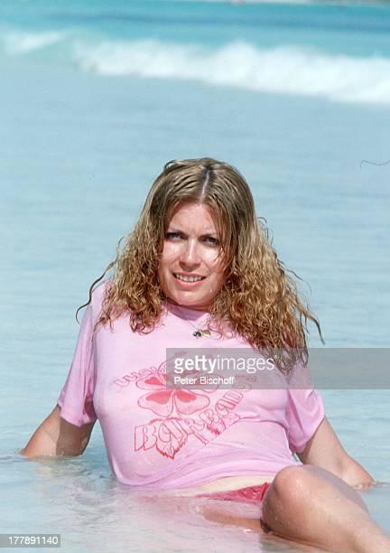 Christiane Krüger Barbados Inselstaat Karibik nass nasses TShirt sexy Meer Ozean Wasser Urlaub Schauspielerin