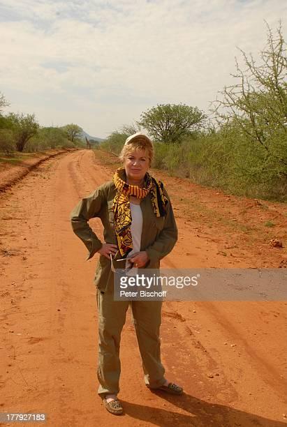 Christiane Krüger Giraffe VerlobungsR e i s e von S o h n T i m KrügerB o c k e l m a n n mit Freundin N i n a L a n g e r SafariAusflug vom S e v e...