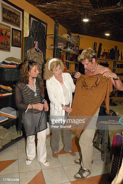 Christiane Krüger Sohn Tim KrügerBockelmann Verlobte Nina Langer VerlobungsBekleidung kaufen für VerlobungsZ e r e m o n i e EinkaufsZentrum Out of...