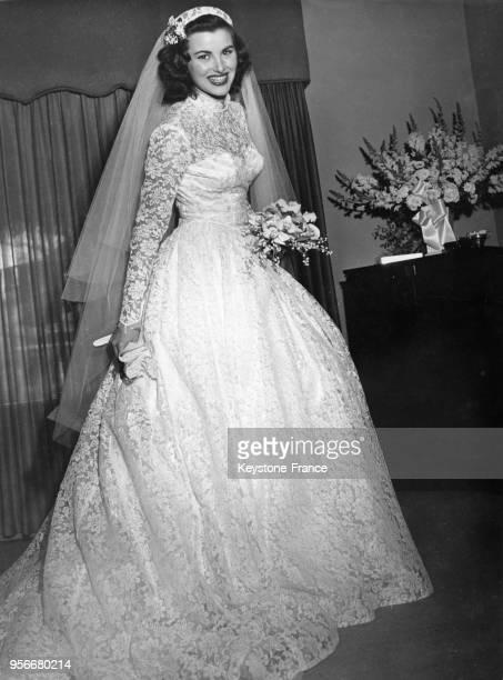 Christiane Martel Miss Univers 1953 lors de son mariage avec Ronald Marengo en janvier 1954